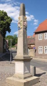 Belzig_Postmeilensaeule